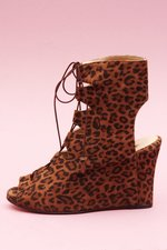 th_13360_1_LaceUpSuadeLeopard.jpg