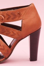 th_13782_W6 Huarache Heel - Leather Brown_4.jpg