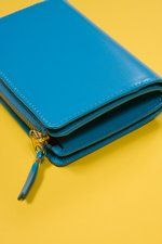 th_7718_CDG_-SA8200-Morris-wallet-blue_2.jpg