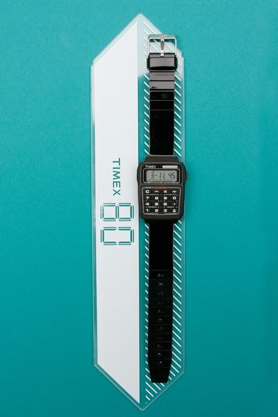 pop_13123_Calculator-Watch_Black_1.jpg
