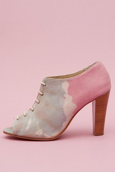 pop_13312_1_CanvasPrintedHeel.jpg