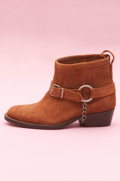 pop_16889_cowboyboots-brown-1.jpg
